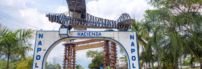 Avioneta de Pablo Escobar Situada a la Entrada de la Hacienda