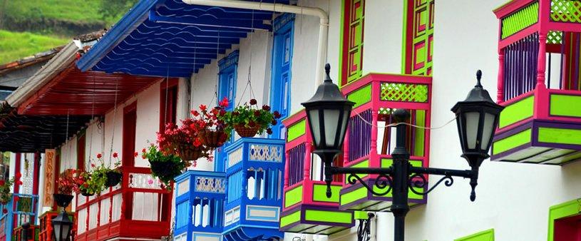 Detalles arquitectónicos de los balcones de Salento, Quindío