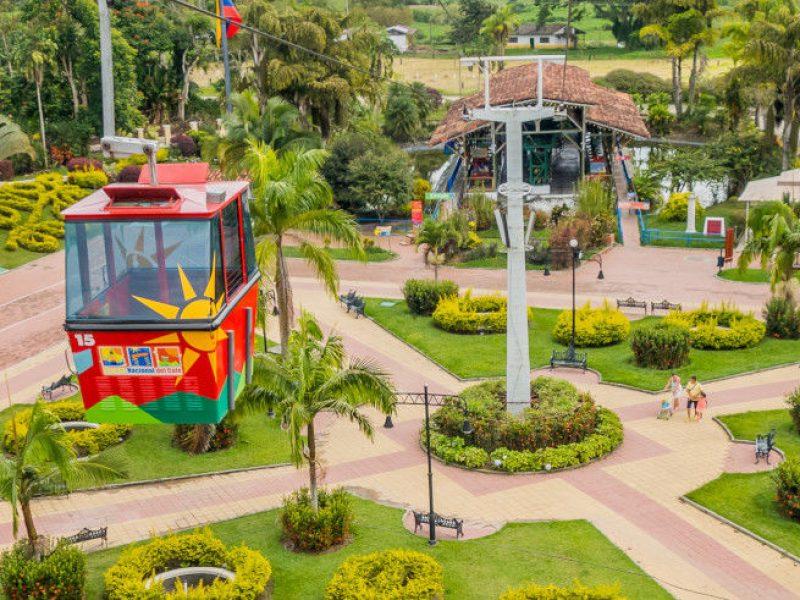 Plaza de Bolivar en el Parque del Café