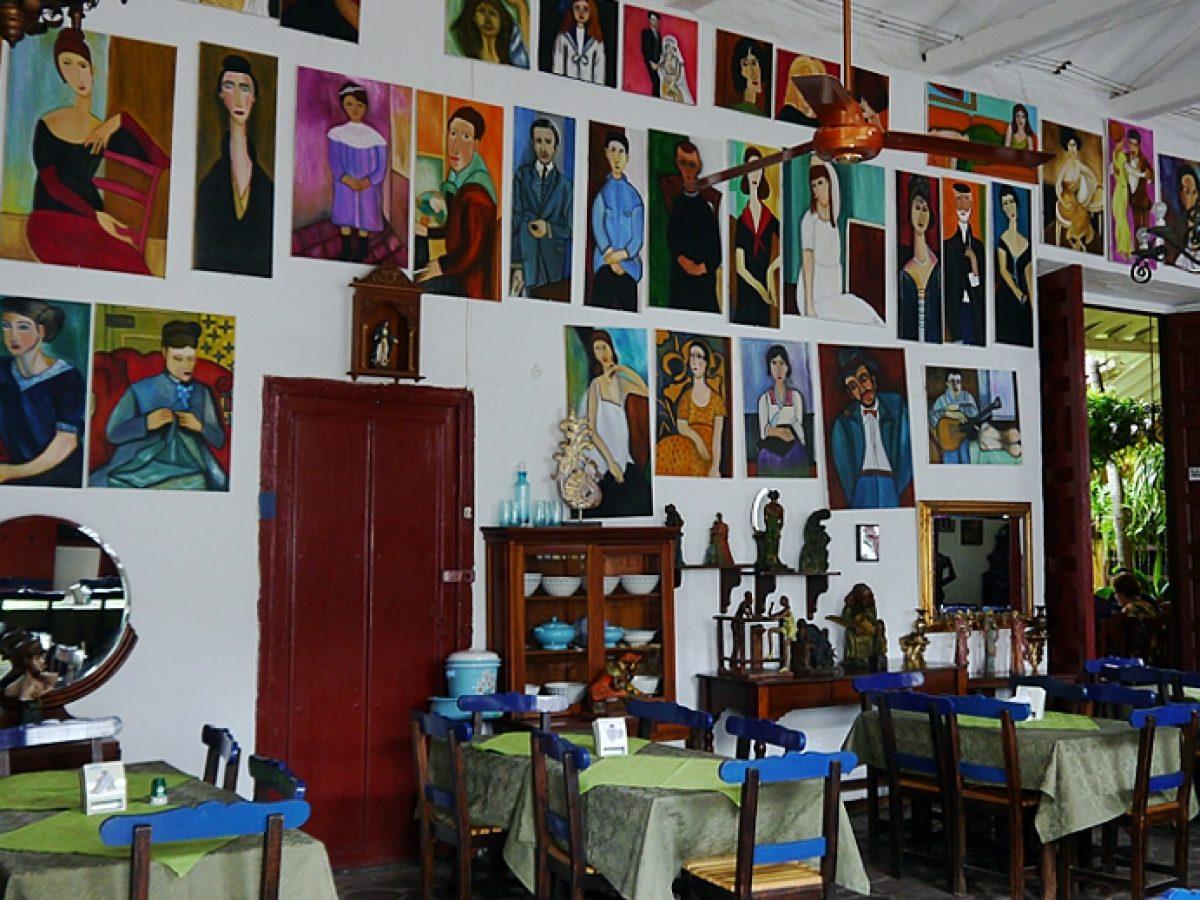 Interior del Restaurante Portón del Parque en Santa Fe de Antioquia