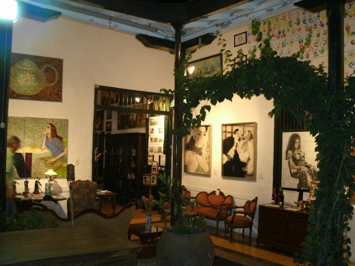 Interior del restaurante La Casa Solaregia