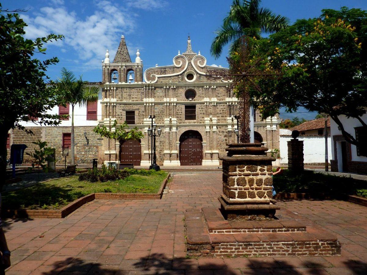 Iglesia de Santa Barbara de Santa Fe de Antioquia