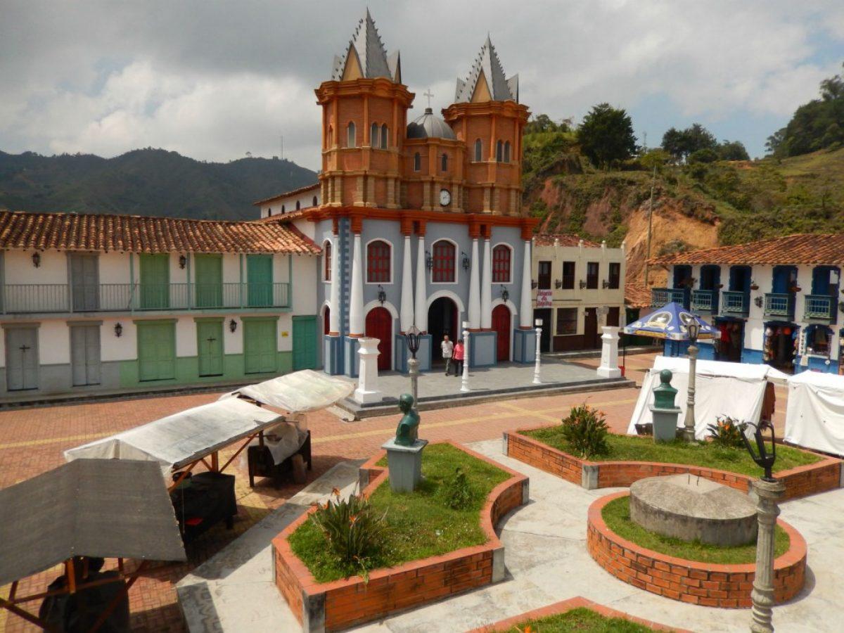Antiguo pueblo del Peñol